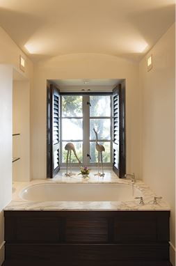 plantation hawaii home bathroom