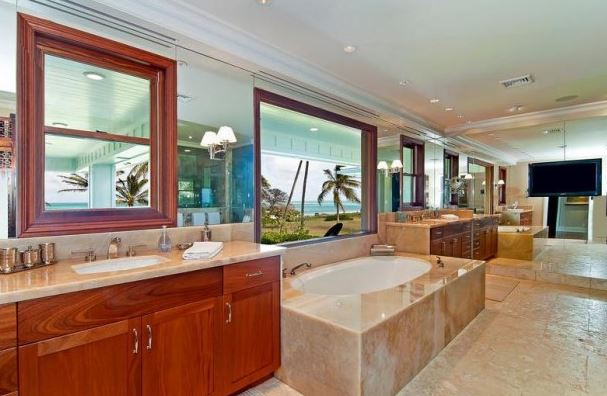 hawaiian bathroom with a view