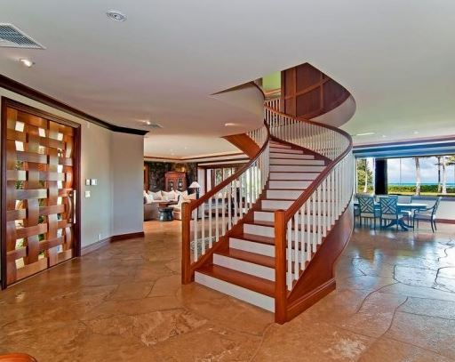 hawaiian wooden staircase