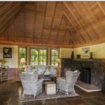 hawaii plantation home living room