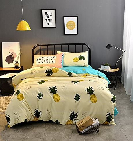 child's pineapple bedding